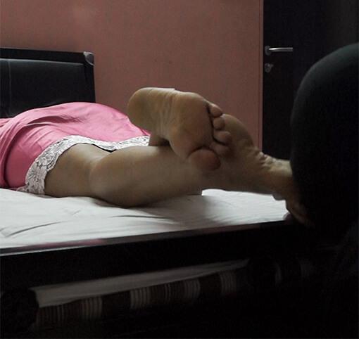 Intimate Foot Worship – Sleeping Time Feet Worship